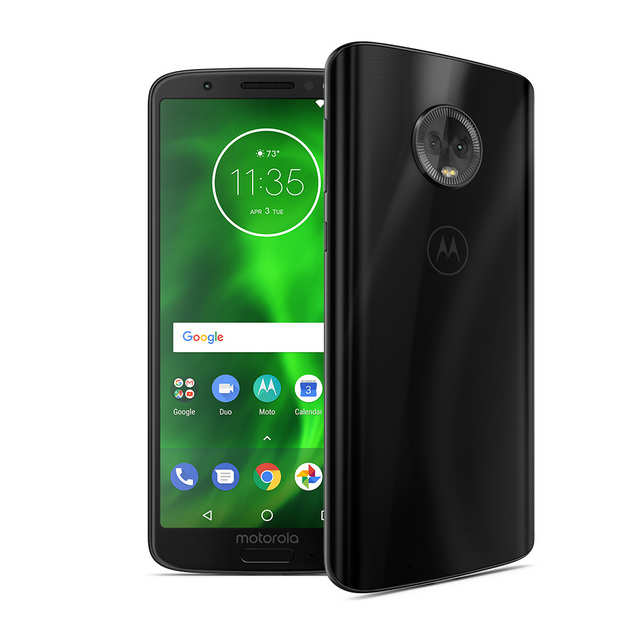 The Moto G6 Play comes with a 5.7-inch HD+ (1440 x 720 pixels) display.