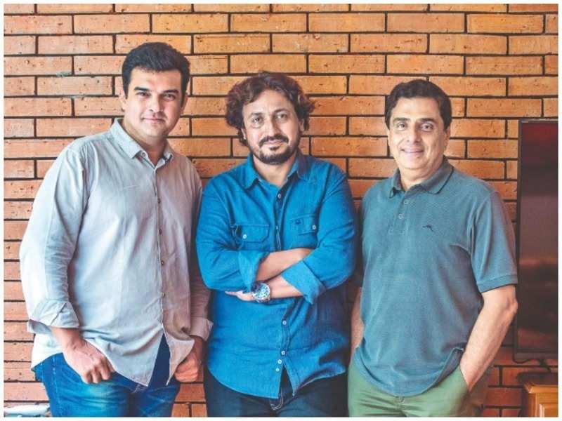 Siddharth Roy Kapur, Vinod Kapri, Ronnie Screwvala