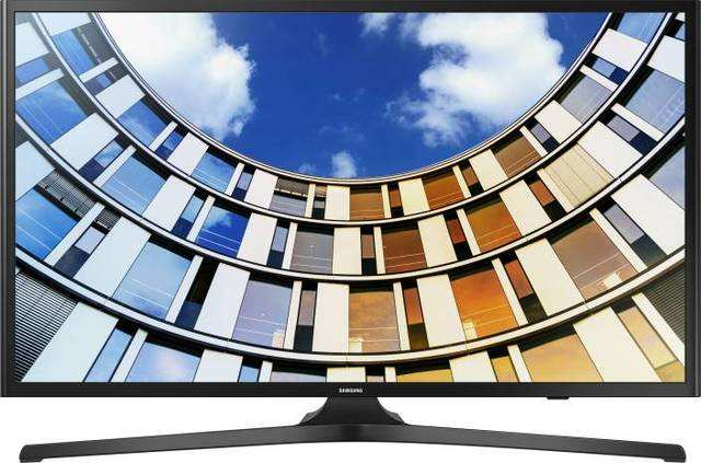 Samsung is offering heavy discounts on expensive models in its curved LED Smart TV range across 49-inch, 55-inch and 65-inch sizes on Flipkart.