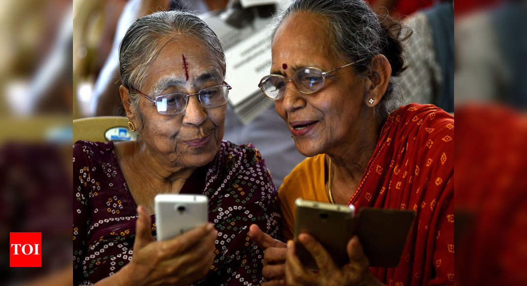 Senior Citizens Get A Crash Course In Using Smartphones Chennai News Times Of India