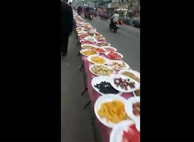 When 1 kilometre long Shahi Iftar of Old City Hyderabad became the buzz