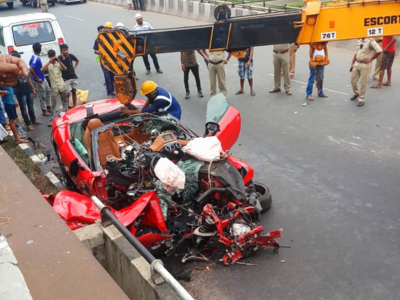 Kolkata Ferrari Accident Ferrari Crashes Into Flyover Rail In