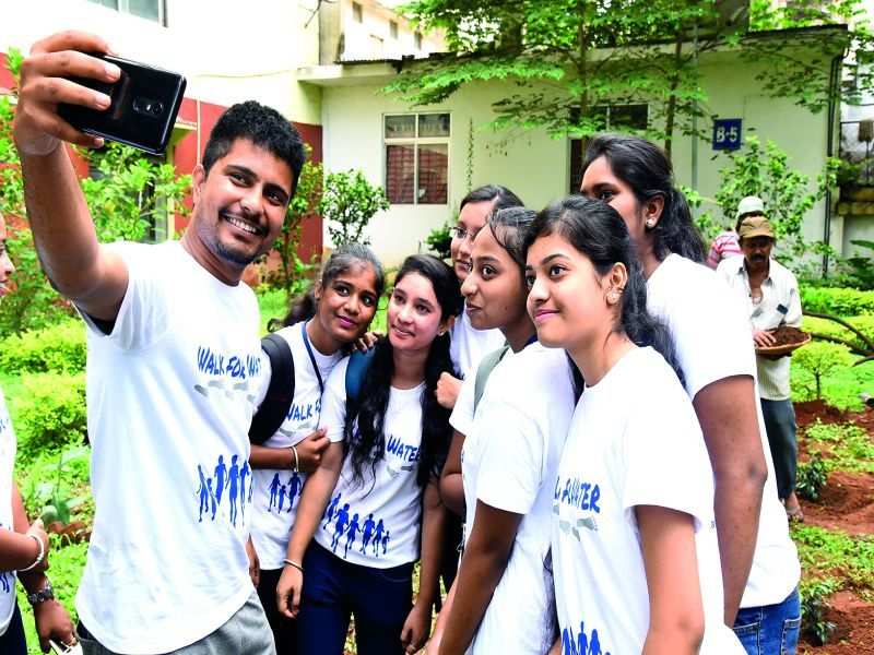 Bengaluru students walk for water conservation
