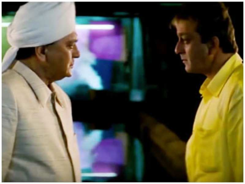 This scene from 'Munna Bhai M.B.B.S' imitated Sunil Dutt and Sanjay Dutt's real-life equation | Hindi Movie News - Times of India
