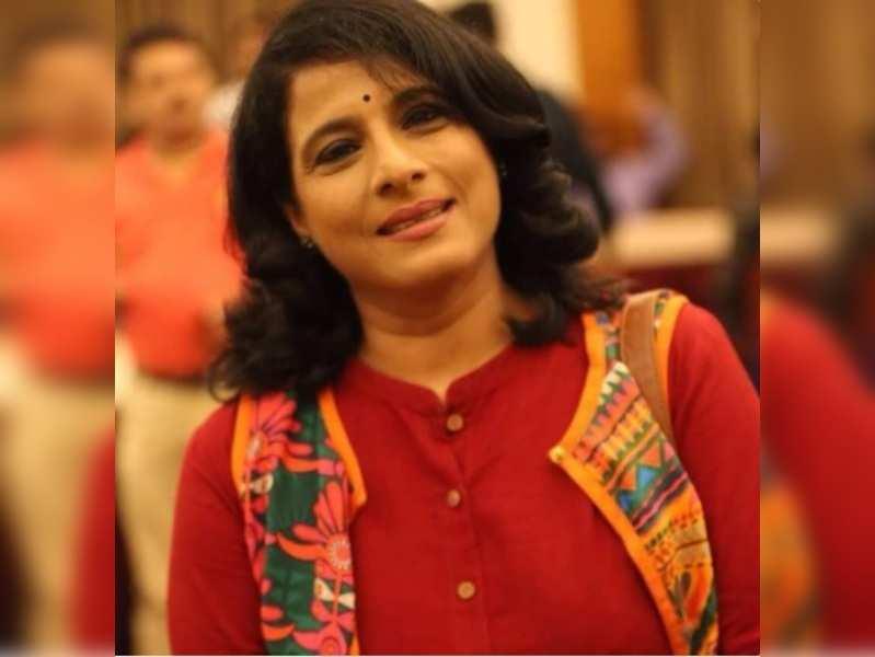 I love to shop wherever I stage a play: Shubhangi Gokhale