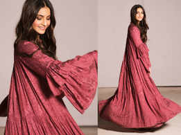How to wear a maxi dress like Sonam Kapoor