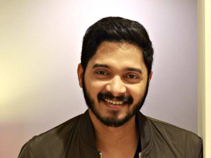 Shreyas Talpade to pay tribute to the deceased Derby horse Rochester in his  next   Hindi Movie News - Times of India