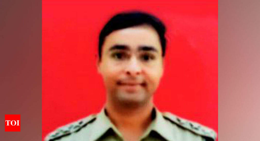 J&K: BSF officer hugged his dad, attained martyrdom six hours later - Times of India