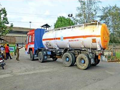 Sterlite: Trucks begin to shift sulphuric acid from Sterlite