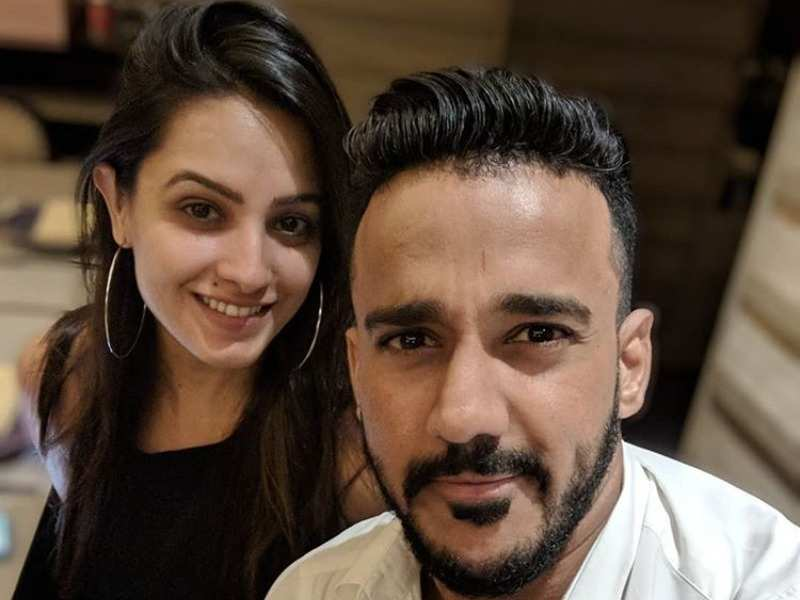 Naagin 3 fame Anita Hassanandani's husband Rohit Reddy shares picture of wife, says she has inspired many