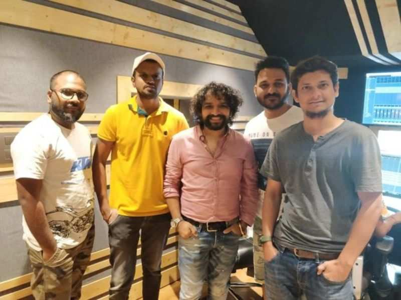Laavan Veeral record the first song for upcoming dance based Guajrati film