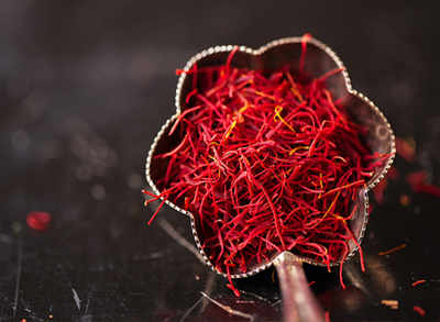 What is saffron? Its origin, health benefits and recipes?