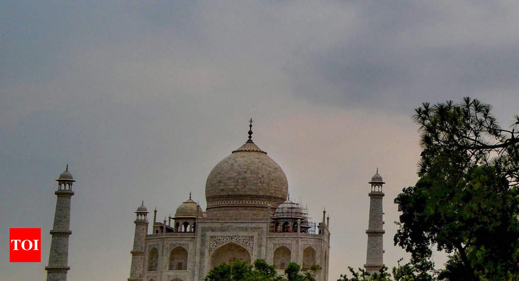 'Either restore beauty of Taj Mahal or demolish it': SC slams government,  authorities for apathy - Times of India