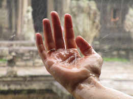 How to get rid of the musty smell during monsoon