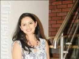I hope I can find time to do Marathi theatre: Shruti Marathe