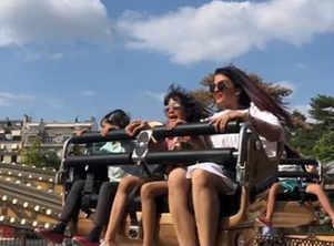 Pic: Ash with Aradhya at Disney Paris