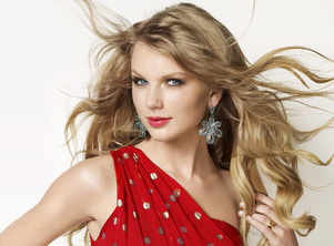 Taylor Swift handles concert malfunction with ease