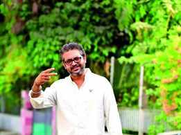 Creative narration of stories by theatre personality Saumya Joshi