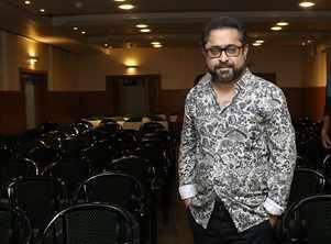 Suman Ghosh to begin his debut hindi film