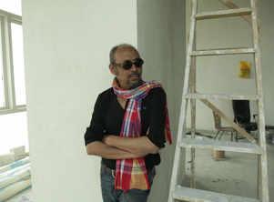 Anjan Dutt begins shooting for Shahjahan Regency