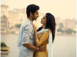 Ishaan and Janhvi go the extra mile for 'Dhadak'