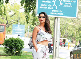 Difficult for me to make friends: Hina Khan