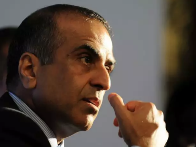 Airtel chairman Sunil Mittal's pay remains flat in FY18; MD Vittal's rises 37%