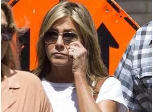 Jennifer Aniston spotted wearing a wedding ring