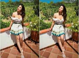 Shama beats B-town beauties in her holiday pics
