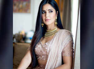 Katrina looks elegant and royal in this pic