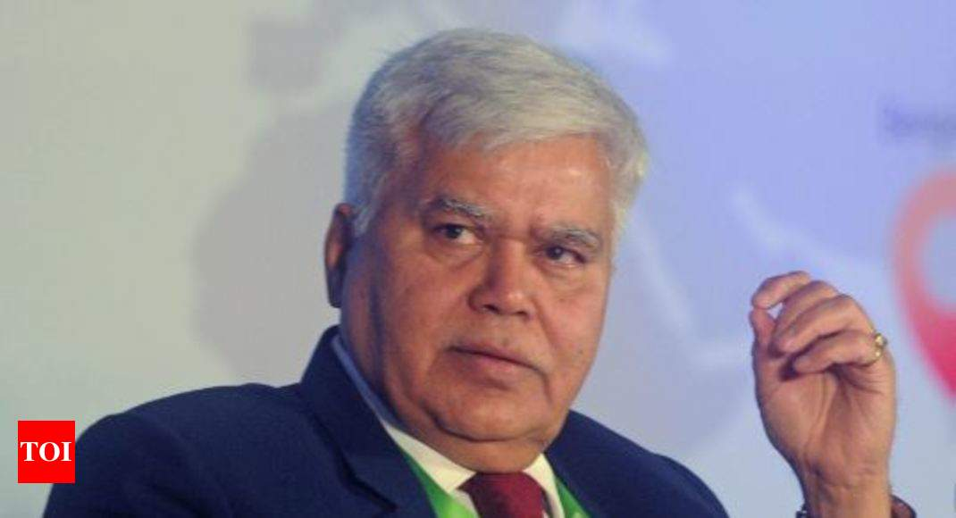 Hackers deposit Re 1 in Trai chief's account - Times of India
