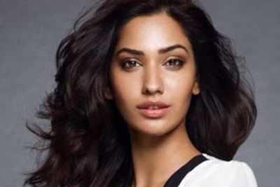 Jhataleka Malhotra to debut in Sanjay Leela Bhansali's film