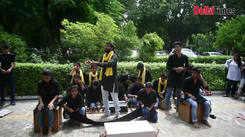 DU students discuss depression through a street play