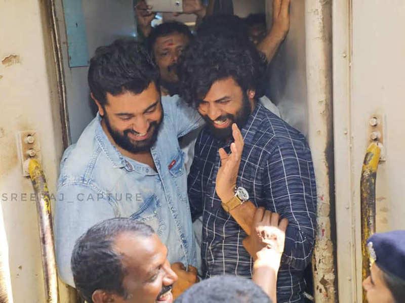 Nivin Pauly and Sunny Wayne at Thiruvananthapuram Railway station for Kayamkulam Kochunni