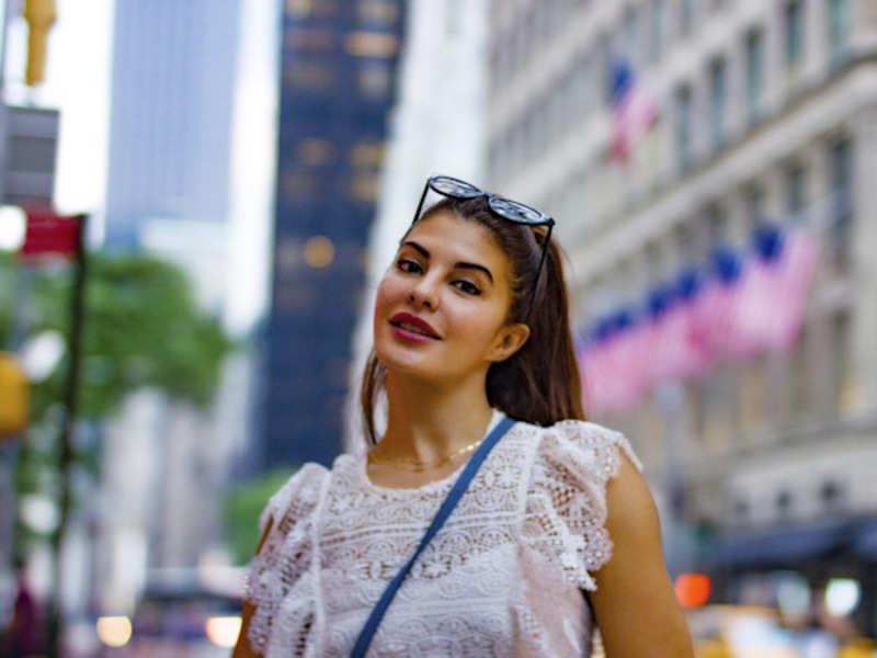 Fans of Jacqueline Fernandez kick-start new trend on social media