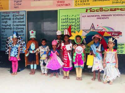 Tiny tots in municipal schools enjoy 'No Bag Day