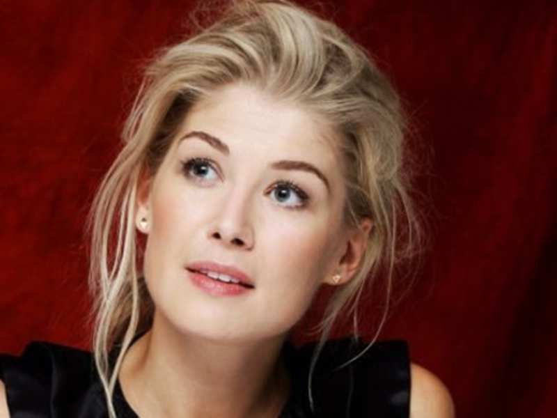 Rosamund Pike refused to strip for Bond film audition | English ...