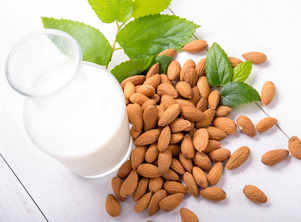 5 So Good reasons why Almond Milk is good for your health