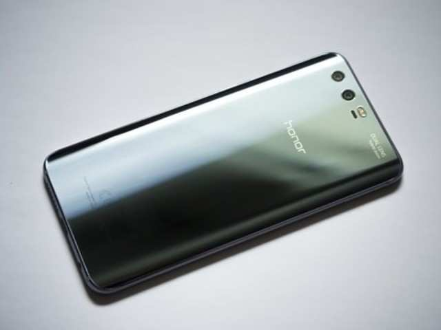 Kerala floods: This smartphone maker will repair users' phones for free