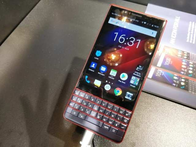 BlackBerry KEY2 LE first impressions: Nothing exceptional