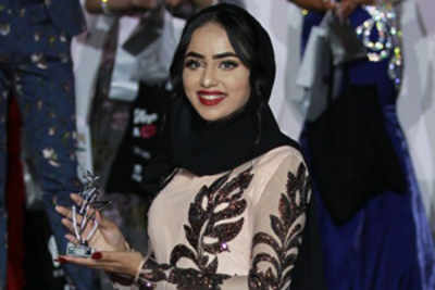 Muslim Beauty queen defies stereotypes and wears a hijab at finale