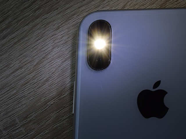 Watch: This could be your first look at the iPhone XS, iPhone XS Plus