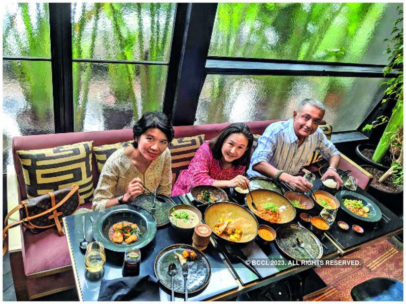 At Pali Thai: Soraya Homchuen, Cholada Siddhivarn and Amish ChinaI
