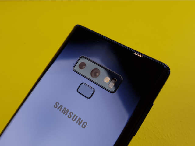 Samsung Galaxy Note 9 beats iPhone X in camera benchmarks, stays behind this smartphone