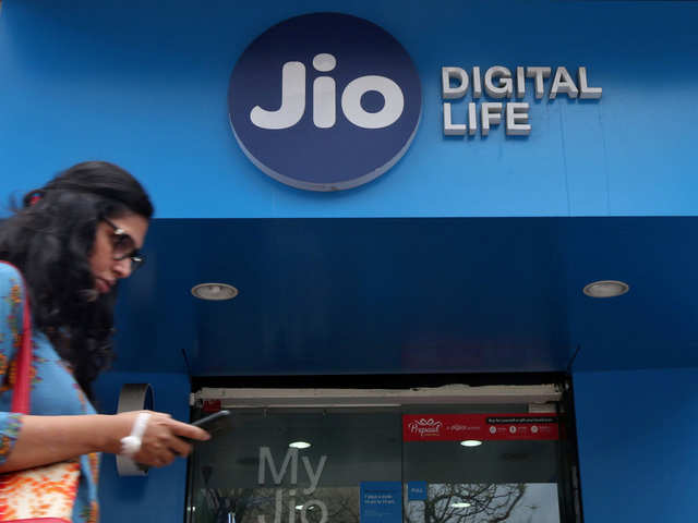 Reliance Jio user base likely to touch 400 million by March 2020: Analysts