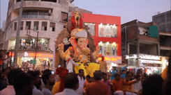 Nagpurians welcome Lord Ganesha