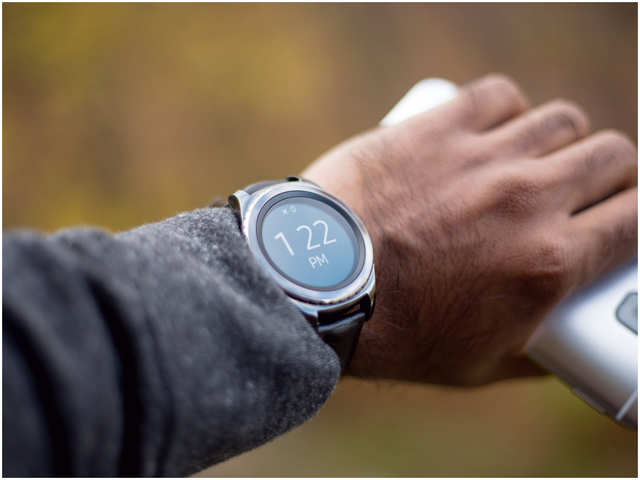 Smartwatches to rule nearly half of wearables by 2022