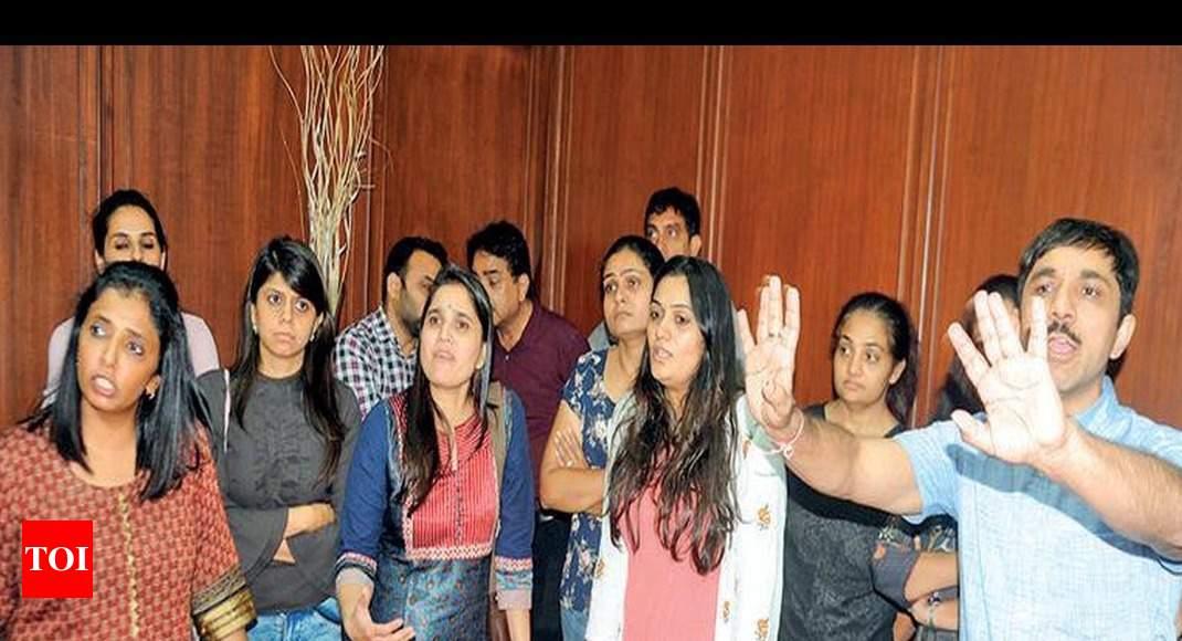 Ahmedabad girls