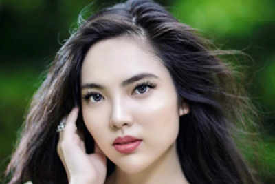 Vanessa Annelise Peh crowned Miss World Singapore 2018