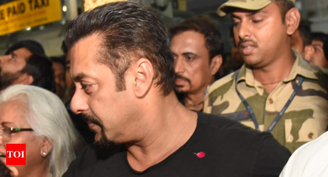 Salman Khan Arrives In Jaipur With Iulia Vantur Meets Schoolkids
